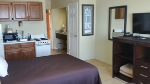 Oceanfront Double with Kitchenette and Patio or Balcony Picture 1
